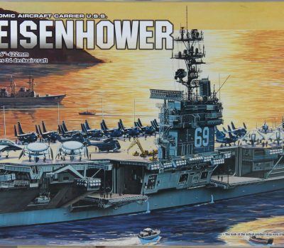 AIRCRAFT CARRIER - USS EISENHOWER  (1:800)