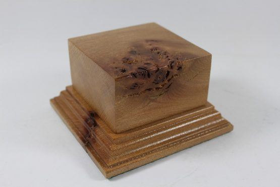 Solid Oak Square Plinth with Burr 75mm x 75mm x 40mm high