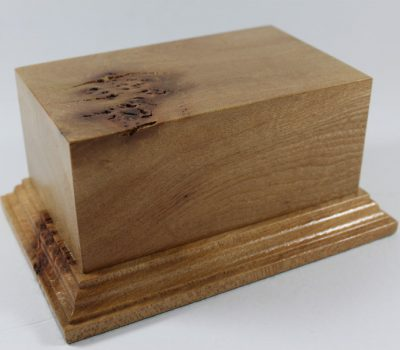 Solid Large Oak Oblong Plinth With Burr 145mm x 90mm x 65mm high